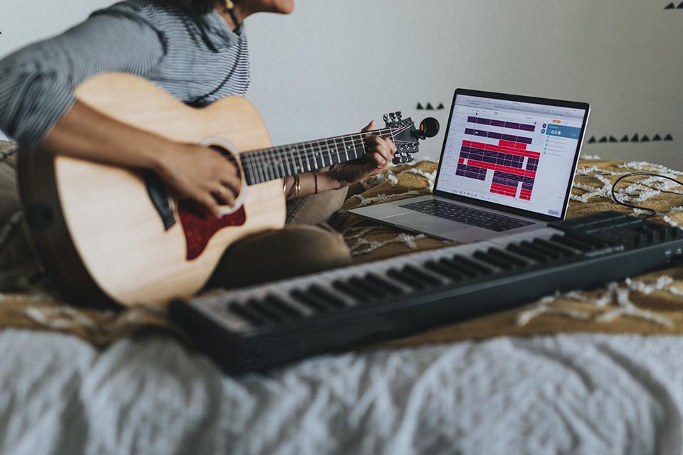 Veja como afinar um violão usando o Google