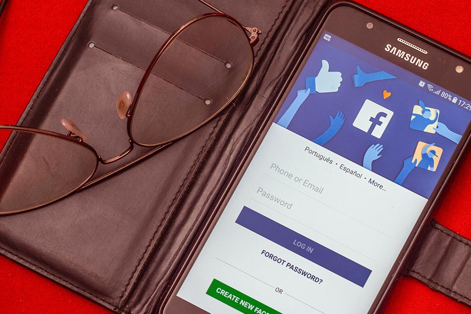 Facebook melhora gerenciamento de dados pessoais em atualização
