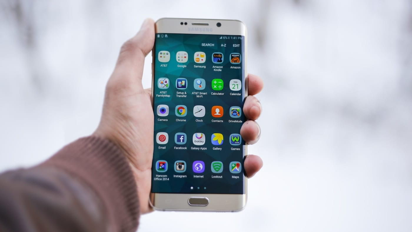 Inclusão: Como preparar o smartphone para pessoas idosas usarem