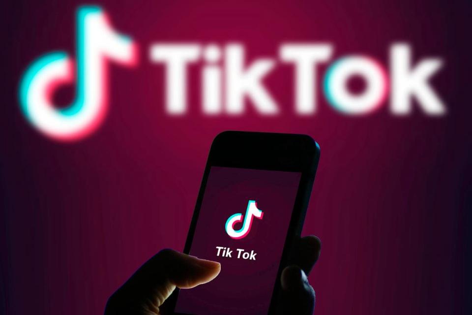 Menina morre ao participar do 'desafio do apagão' no TikTok