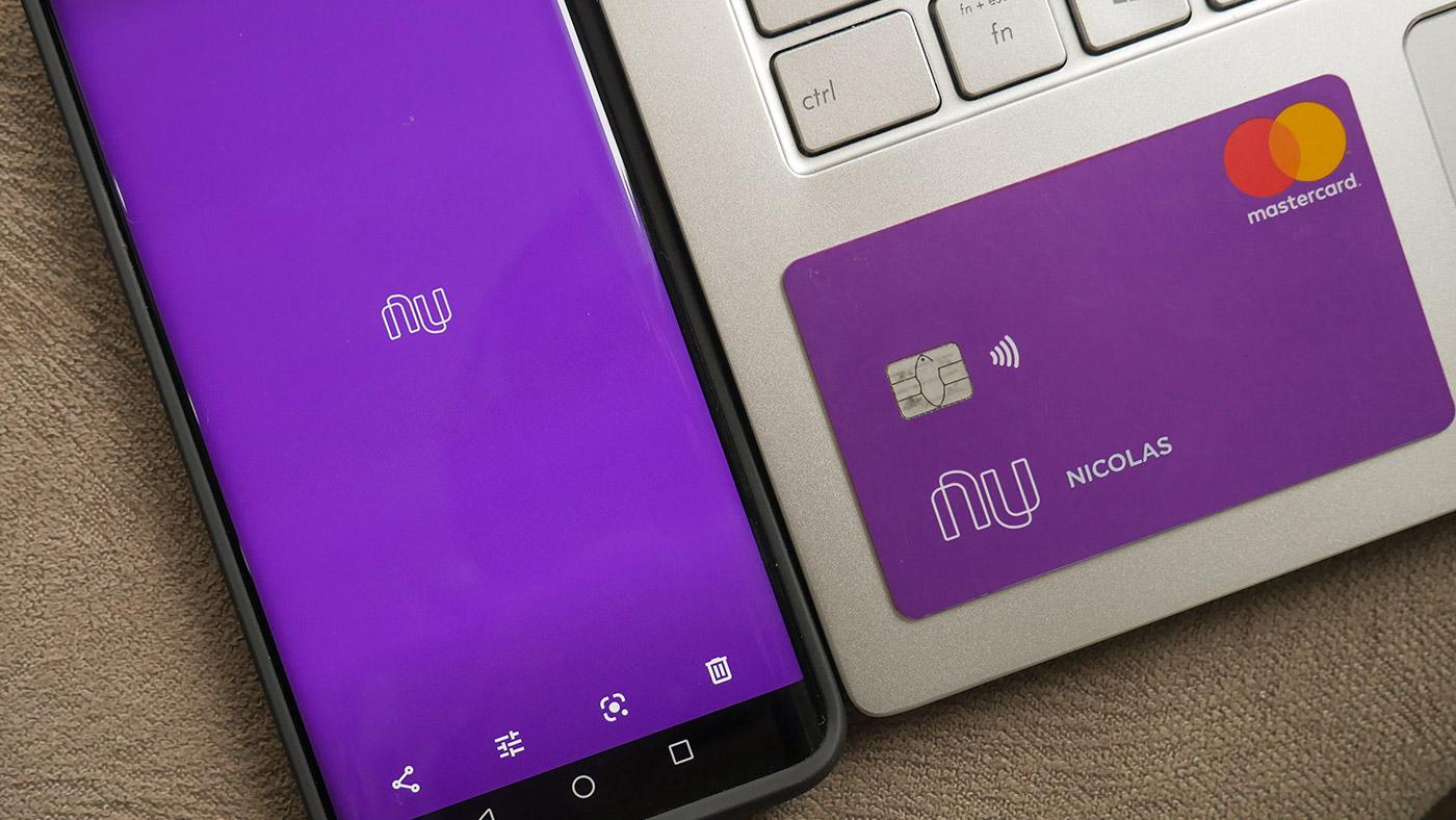 Nubank anuncia cartão de crédito para clientes negativados; saiba como solicitar
