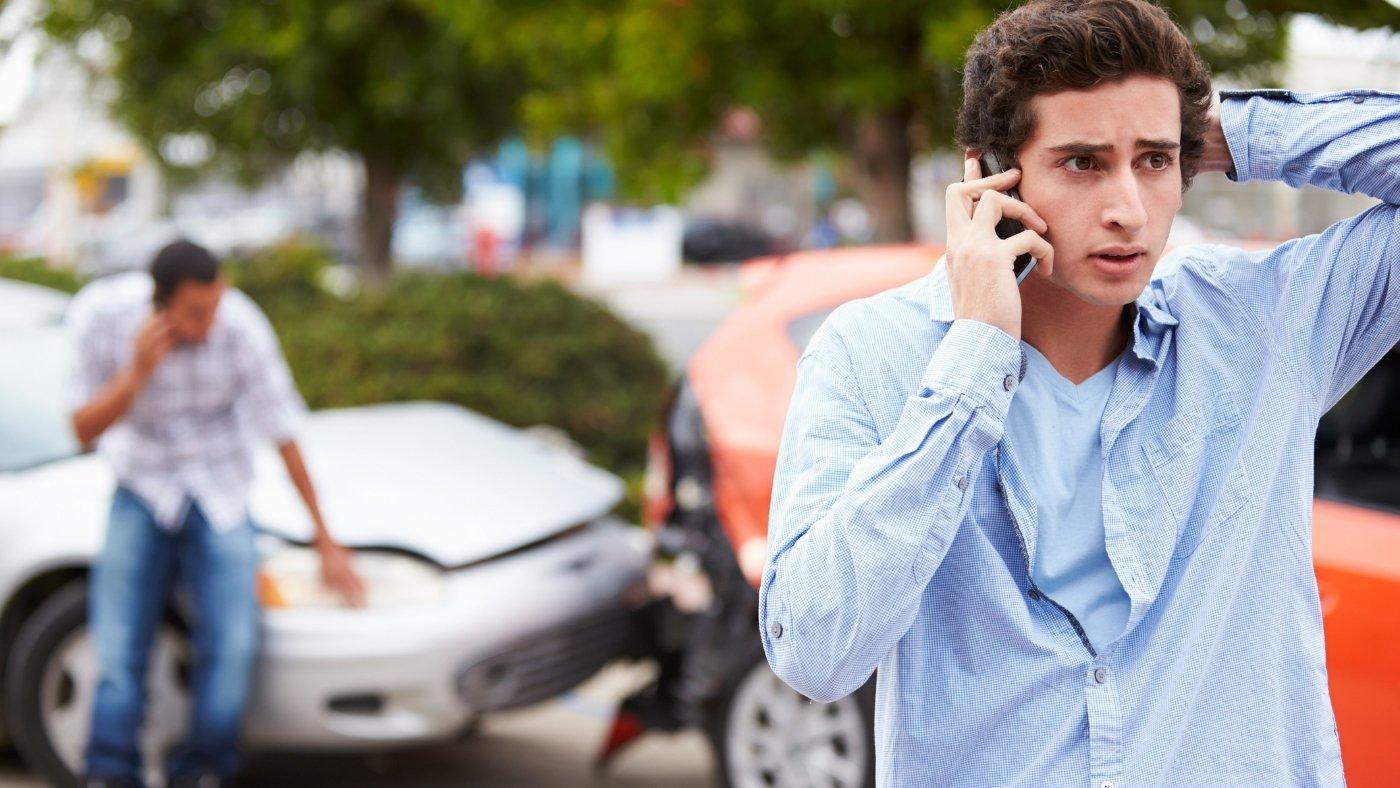 Como cadastrar contatos de emergência no iPhone